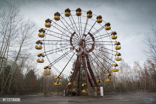 istock Ferris wheel in Pripyat 917273026