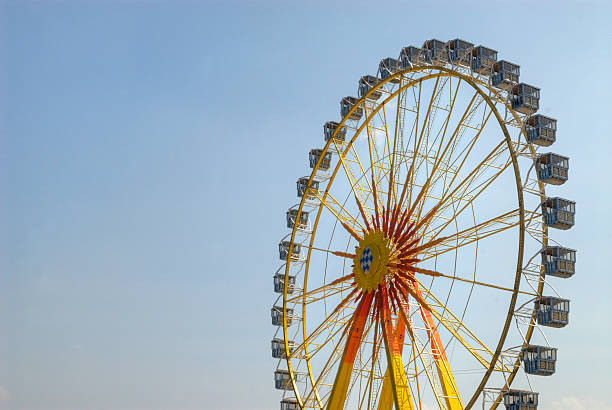 riesenrad-ferris wheel point of view - theresienwiese stock-fotos und bilder