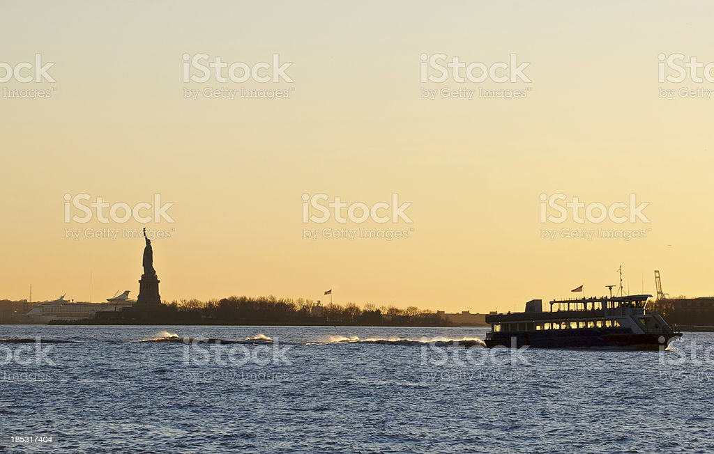 Ferry Boat Statue Of Liberty Hudson River Sunset Nyc Stock