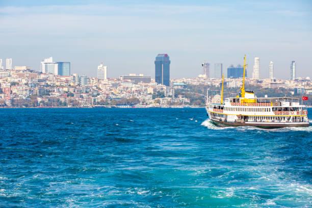 Veerboot in Istanboel foto
