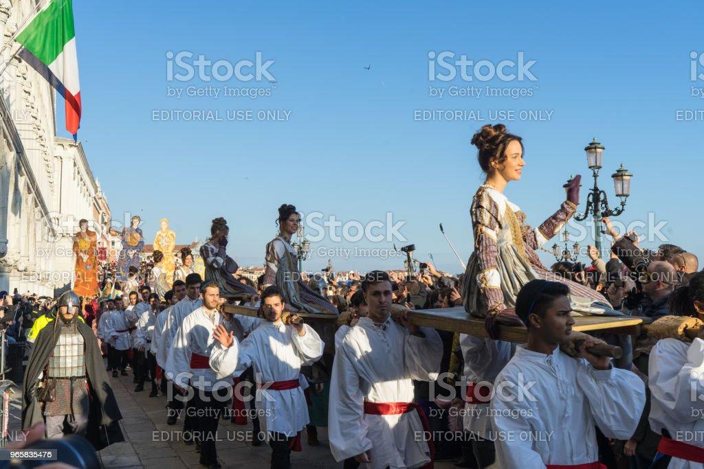 Festa delle Marie parade behoort tot de belangrijkste gebeurtenis tijdens het carnaval van Venetië, Venetië, Italië - Royalty-free Carnaval - Feestelijk evenement Stockfoto