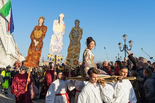 Festa Delle Marie Parade Behoort Tot De Belangrijkste Gebeurtenis Tijdens Carnaval Venetië Stockfoto en meer beelden van Carnaval - Feestelijk evenement