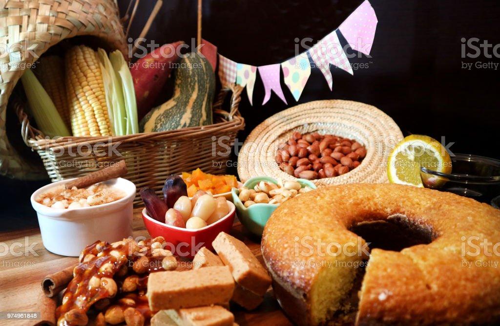 Festa Junina comida tradicional. Comida brasileira. - foto de acervo