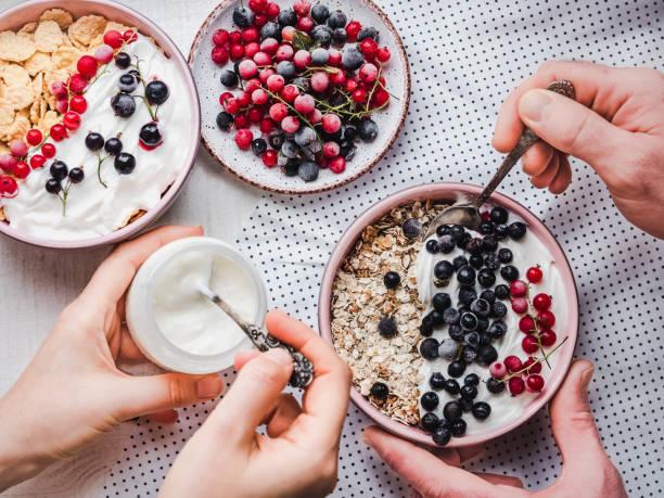 Petit-déjeuner sain et festif pour les proches - Photo