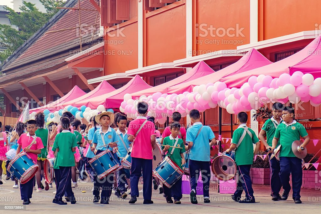 Festive procession through the streets of the Bangkok, Thailand foto de stock royalty-free