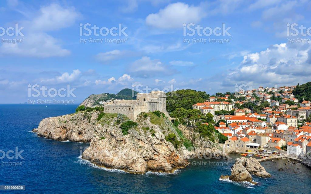 Festung Lovrijenac in Dubrovnik mit Altstadt royalty-free stock photo