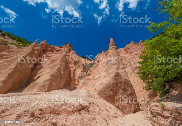 Photo of Fiastra lake and Lame Rosse canyon (Marche, Italy)