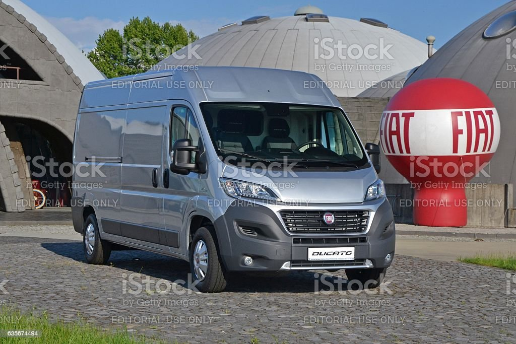Fiat Ducato - delivery van - Foto stock royalty-free di Affari