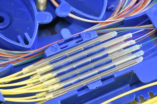 fiber optic splice tray - spleißen stock-fotos und bilder