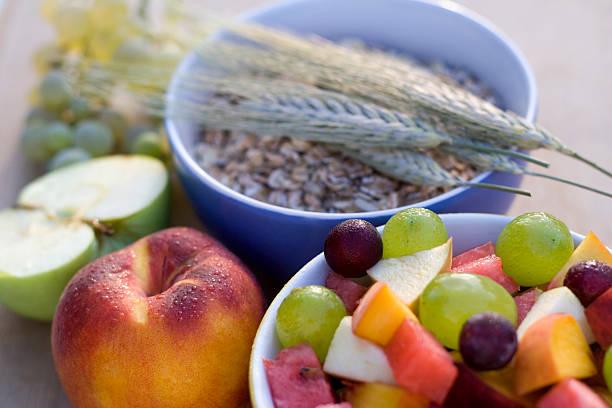 alimentos ricos en fibras - fibra fotografías e imágenes de stock