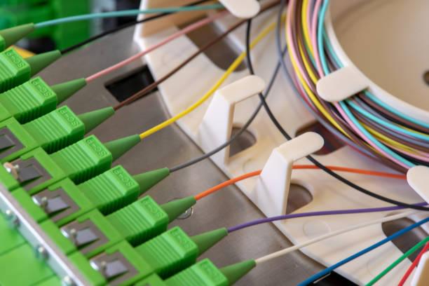 fibre optic splice tray - spleißen stock-fotos und bilder