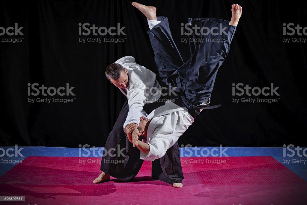 Lutte entre deux Aïkido combattants - Photo