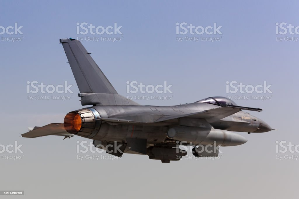 F16 Fighting Falcon Takeoff Stock Photo - Download Image Now - iStock