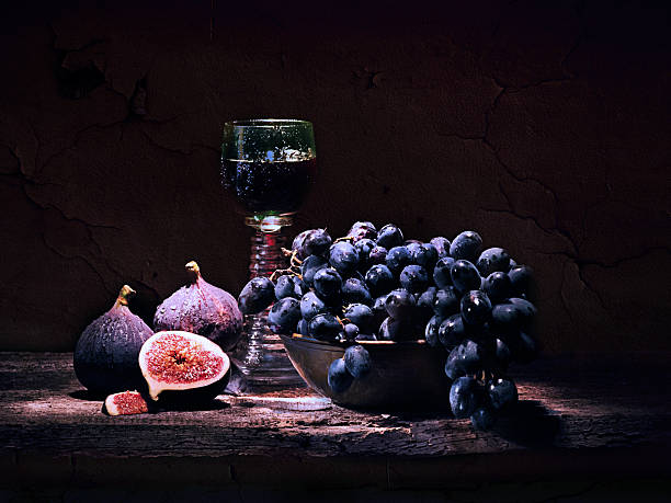 figues, de raisin et du vin - nature morte photos et images de collection