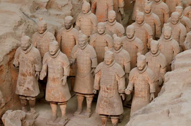 figuren der terrakotta-krieger-armee in xi ' an, volksrepublik china, asien. - imperialismus stock-fotos und bilder