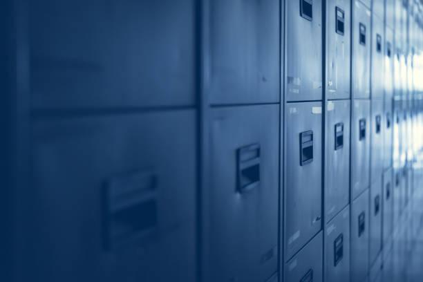 Aktenschränke in Bürogebäude - blauen Farbton – Foto