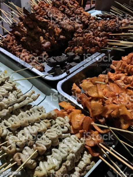 Filipino street food picture id1170105918?b=1&k=6&m=1170105918&s=612x612&h=yx8q7fnydinlr1sabe1 o6abohrdxgbeoijpobsdkzw=