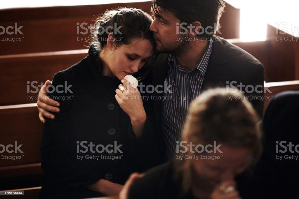 Voller Trauer in den Verlust – Foto