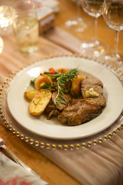 filet-steakplatte - schnitzel braten stock-fotos und bilder