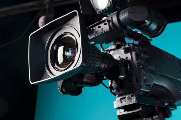 film camera in the studio - videocamera foto e immagini stock