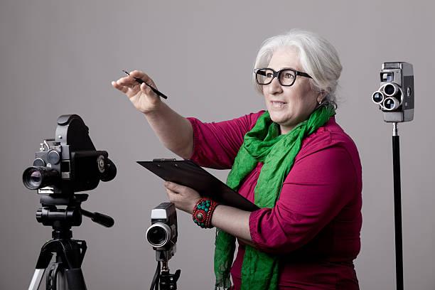 hinter der kamera-film director - drehbuchautor stock-fotos und bilder