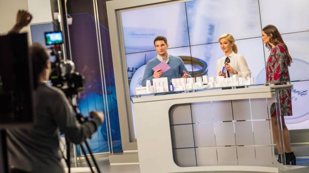 Dreharbeiten zu einer TV-Dauerwerbesendung über kosmetische Mittel – Foto