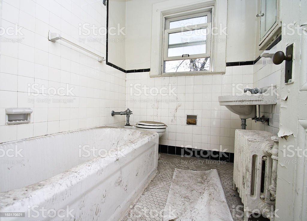 Schmutziges Badezimmer Stock-Fotografie und mehr Bilder von ...