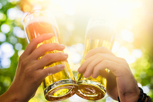 couple, drinking, beer, Munich, beer garden