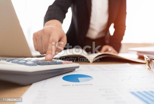 878863400istockphoto finance advice accountant 1129008072