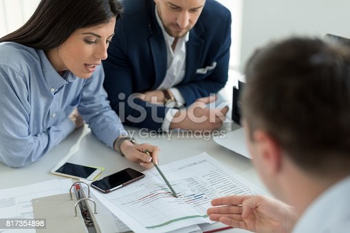 istock Financial advice 817354898