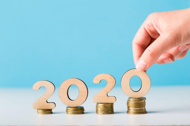 finanzplanung für das neue jahr 2020 mit wachstum - inflation stock-fotos und bilder