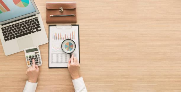 finanzgeschäfte audit - buchprüfung stock-fotos und bilder