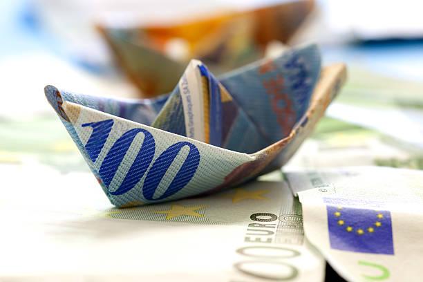 financial  crisis - franken stockfoto's en -beelden