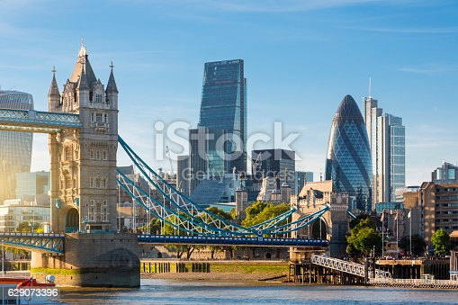 istock Financial District of London and the Tower Bridge 629073396