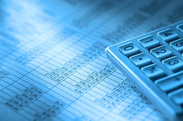 wirtschaftszahlen - tabellenkalkulation stock-fotos und bilder