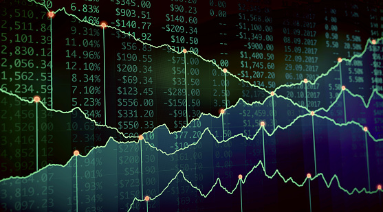 istock Financial Growth Report Green 815062728