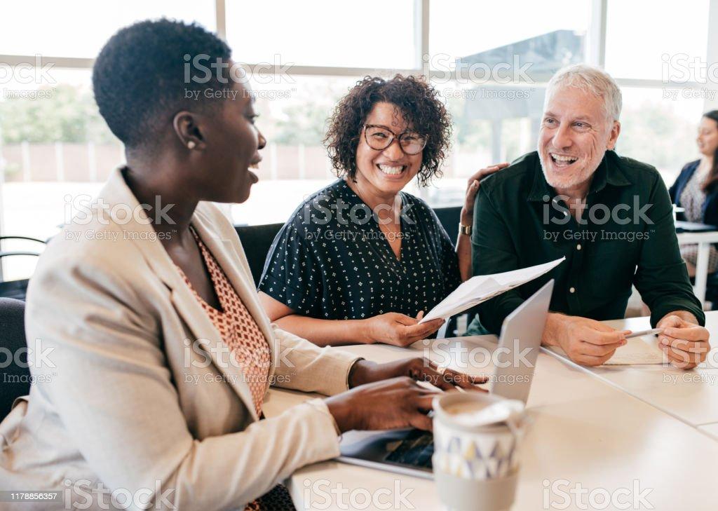 Erken emeklilik için finansal planlama - Royalty-free Adamlar Stok görsel