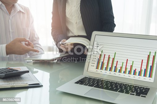 istock financial report business meeting 862560466