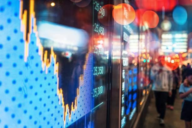 Finanzielle Börse Markt Bildschirm Anzeigetafel auf der Straße – Foto