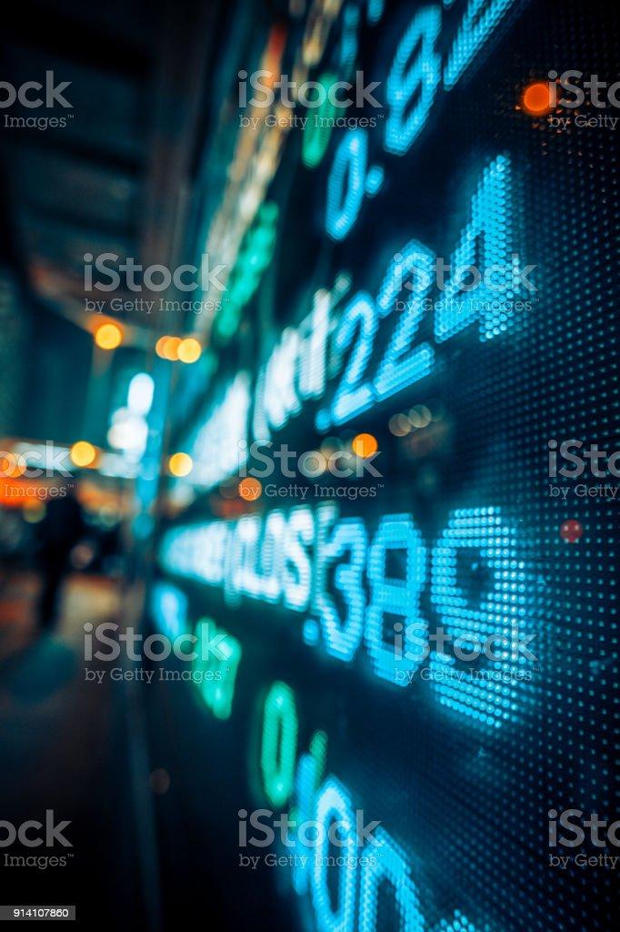 Finanzielle Börse Zahlen und Stadt Lichtreflexion – Foto