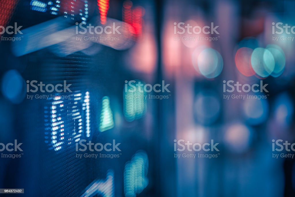 Financiële beurs nummers en stad licht reflectie - Royalty-free Azië Stockfoto