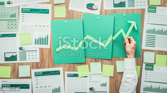 istock Financial success and green business 669512140