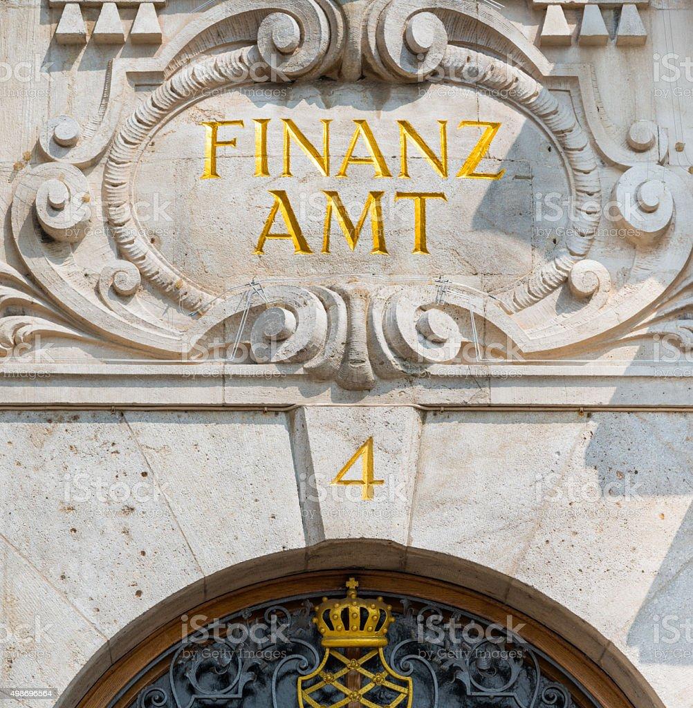Finanzamt in lettere d'oro foto stock royalty-free
