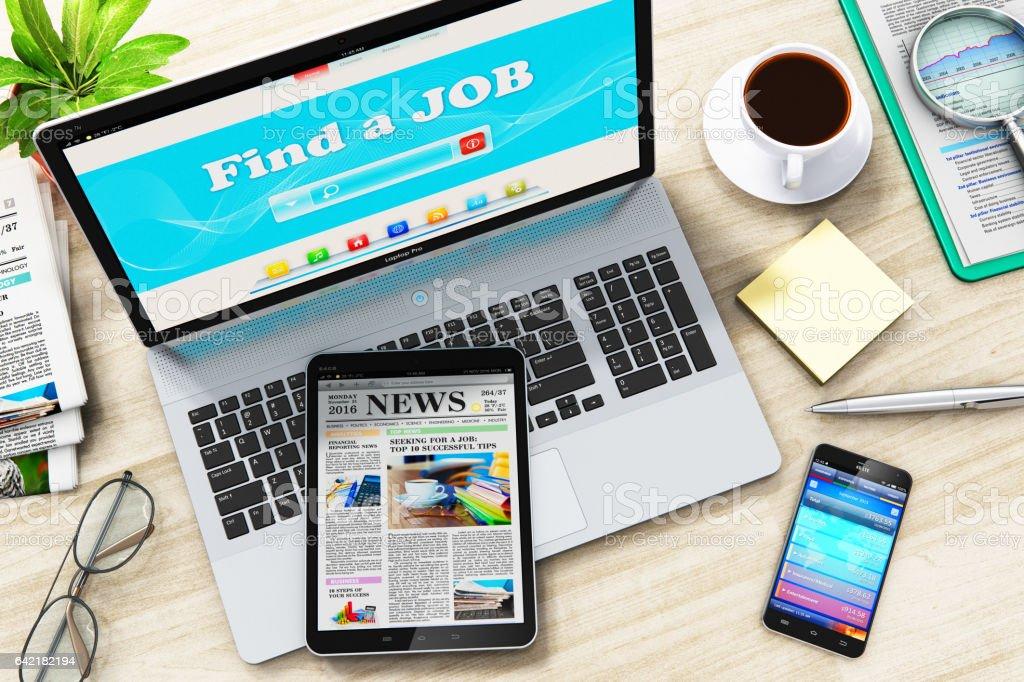 Finden Sie oder suchen Sie einen Job im Internet auf laptop – Foto