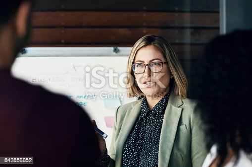 istock Find out and feedback 842856652