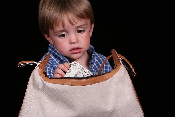 schließhaken suchfunktionen - kinderhandtaschen stock-fotos und bilder