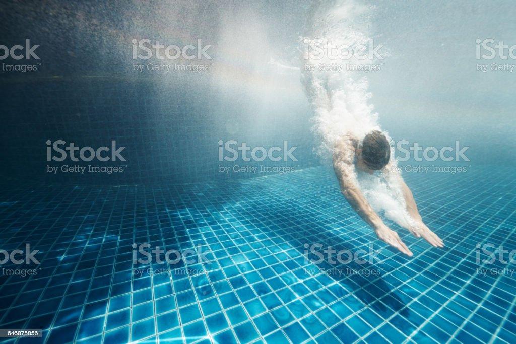 Suche nach Glück unter Wasser – Foto