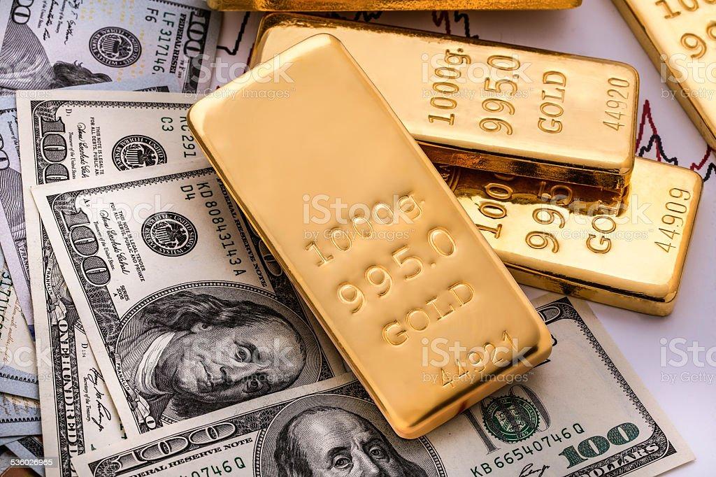 Barras de ouro finas e metal precioso - foto de acervo