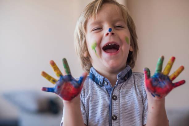 fingergemälde - fingerfarben stock-fotos und bilder