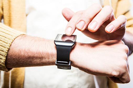 Dito Toccare Smartwatch - Fotografie stock e altre immagini di Applicazione mobile